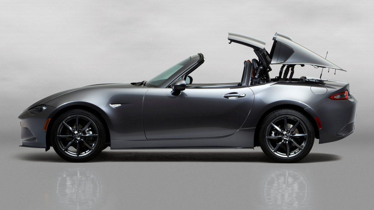 """Szerintünk kifejezetten izgalmas az MX-5 RF, így a magunk részéről csupán annyit mondhatunk az újdonság láttán, hogy """"Csak így tovább, Mazda!"""""""