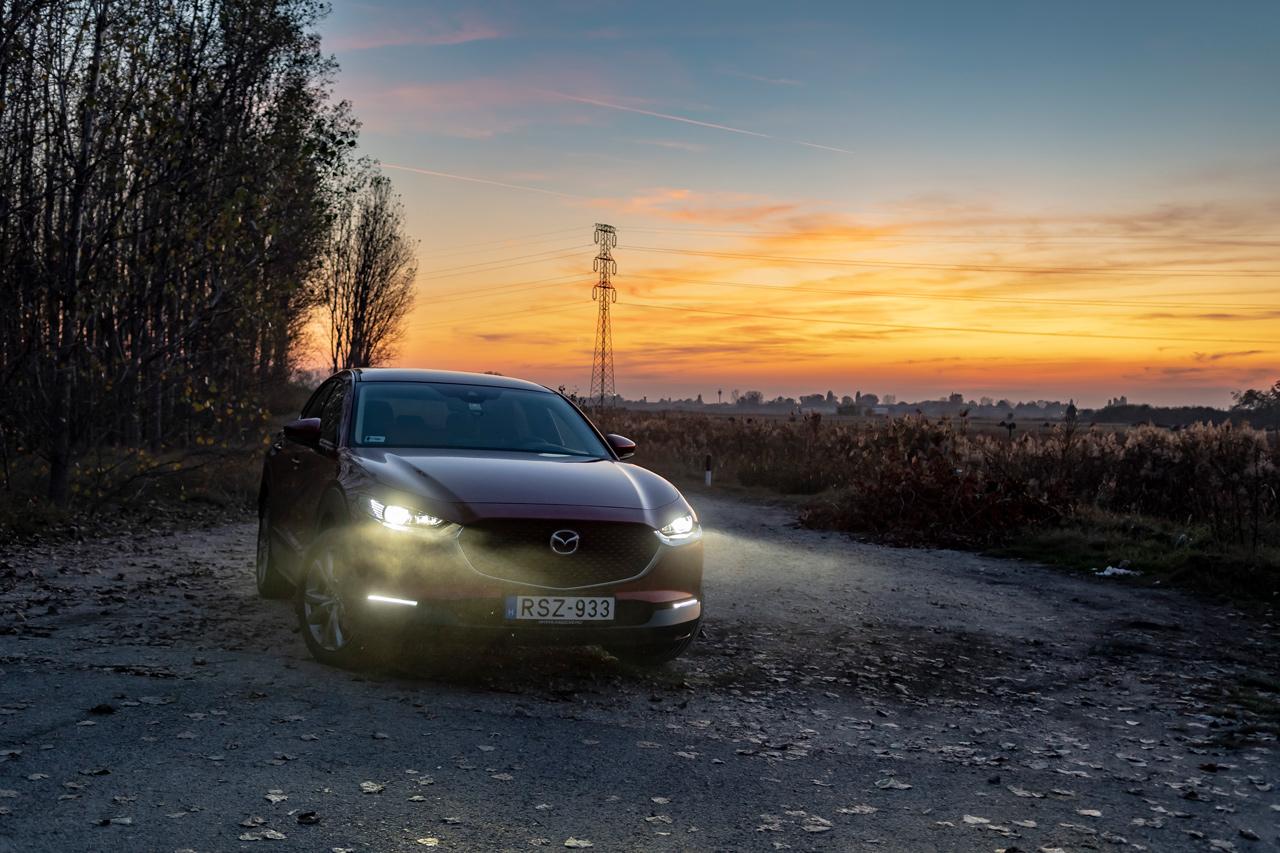 A fényszóró zseniális, kötelezővé tennénk minden autón ezt a rendszert