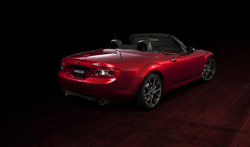 MX-5_25th_Anniversary_Edition_EX_003__jpg300