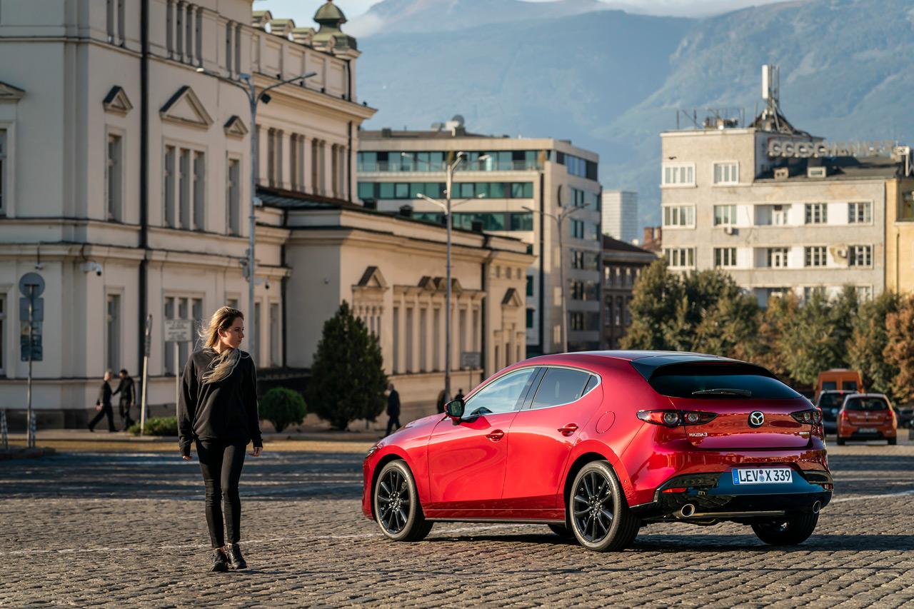 A hölgyek kapcsán igazi hódítóként érkezett a Mazda3