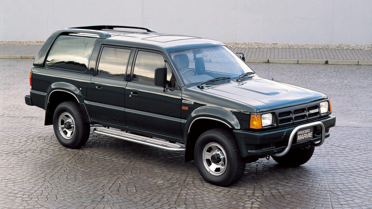 ...terepjáró kivitel is készült a Mazda pickupok legszerteágazóbb negyedik generációjából
