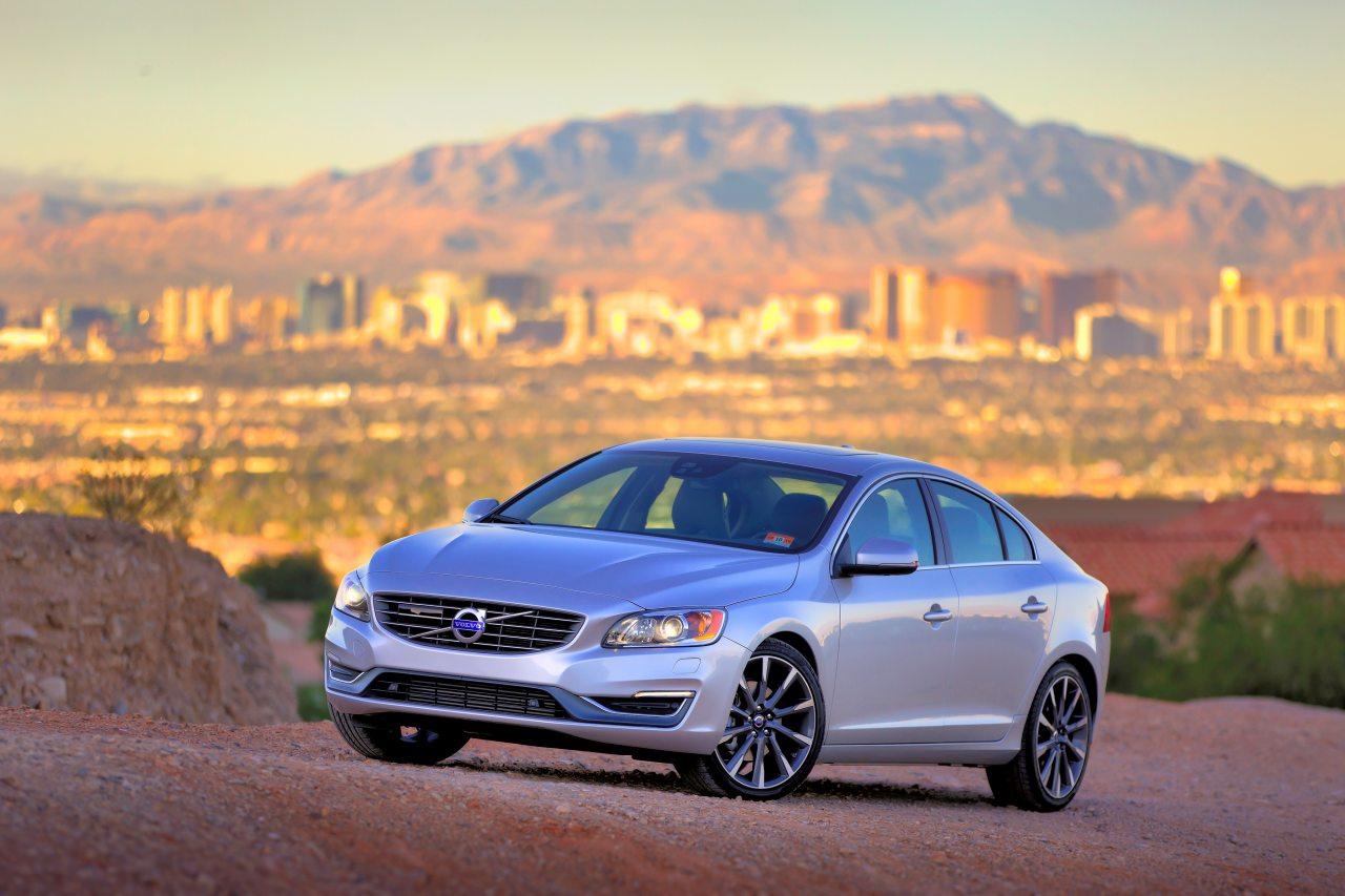 A Volvo S60 érezhetően minden tekintetben a német konkurensekkel igyekszik lépést tartani – beleértve az árat is