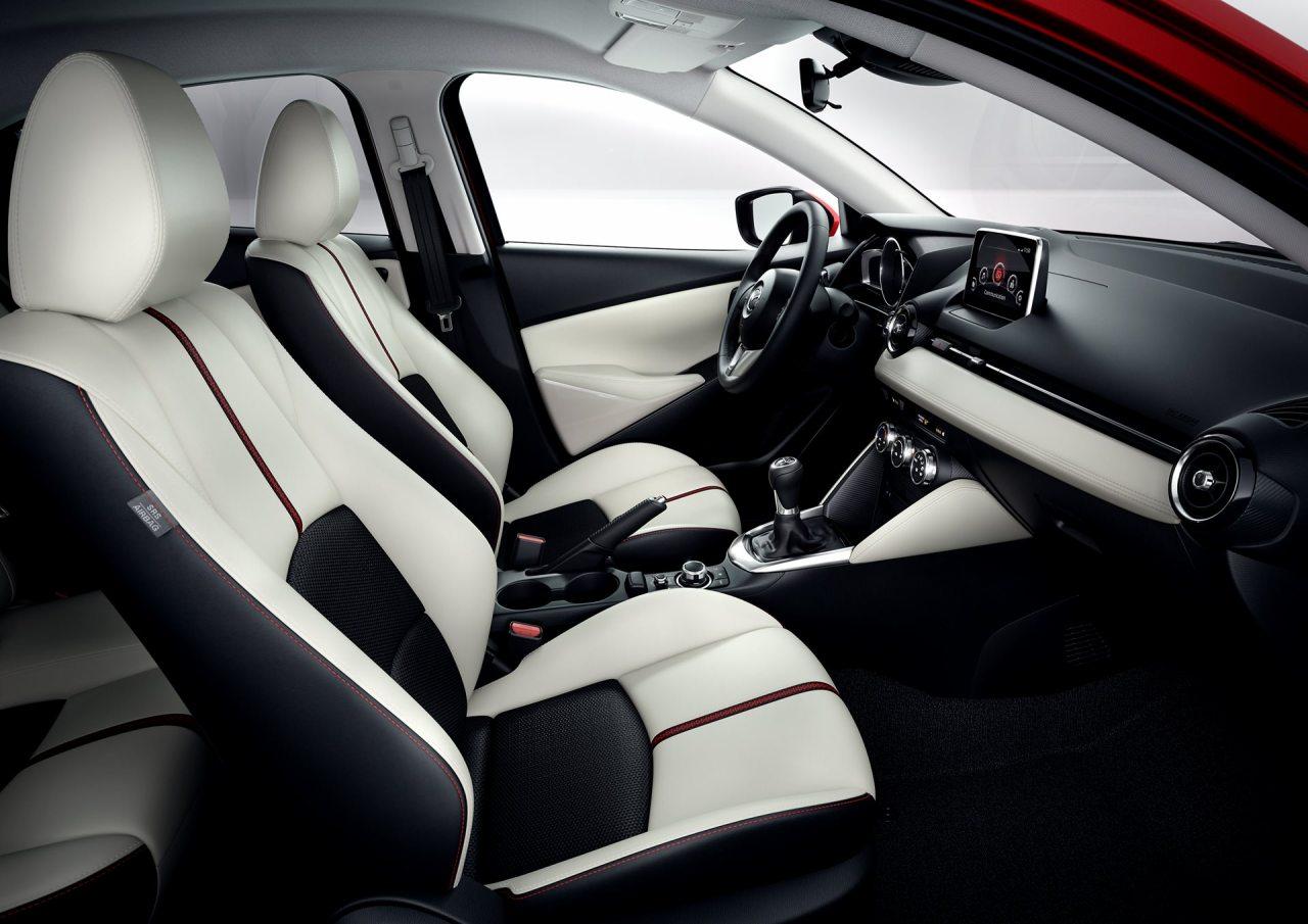 Az új Mazda2 belső kialakítása egyértelműen tükrözi, hogy a márka a prémiumszegmens irányába kíván elmozdulni. Kérdés, mennyibe kerül majd az újdonság