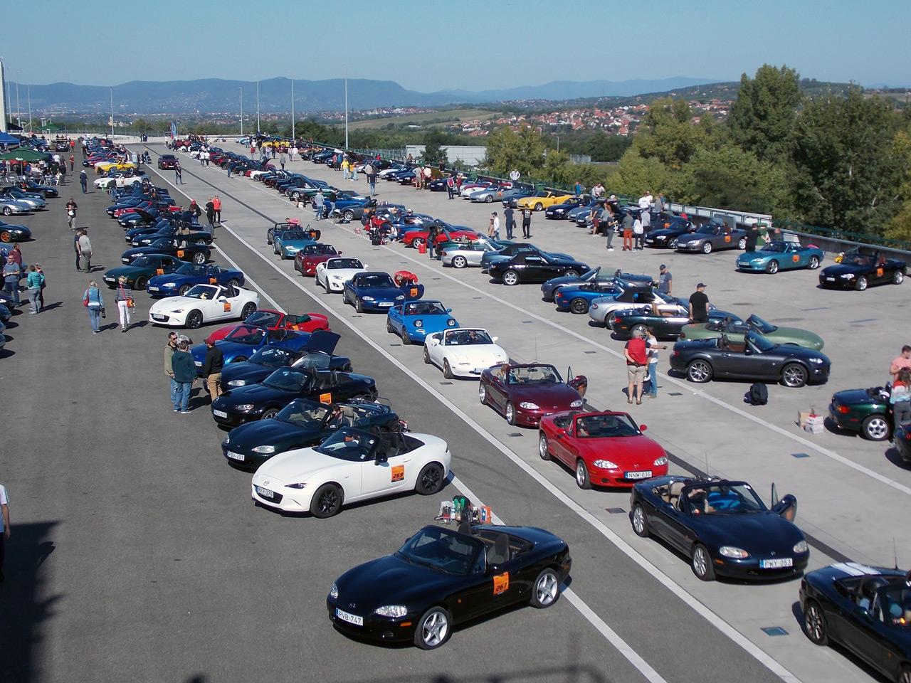 Több mint háromszáz Mazda MX-5 gyűlt össze a Hungaroringen