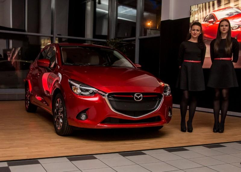 Garantáltan megfordulnak a Mazda2 után az emberek