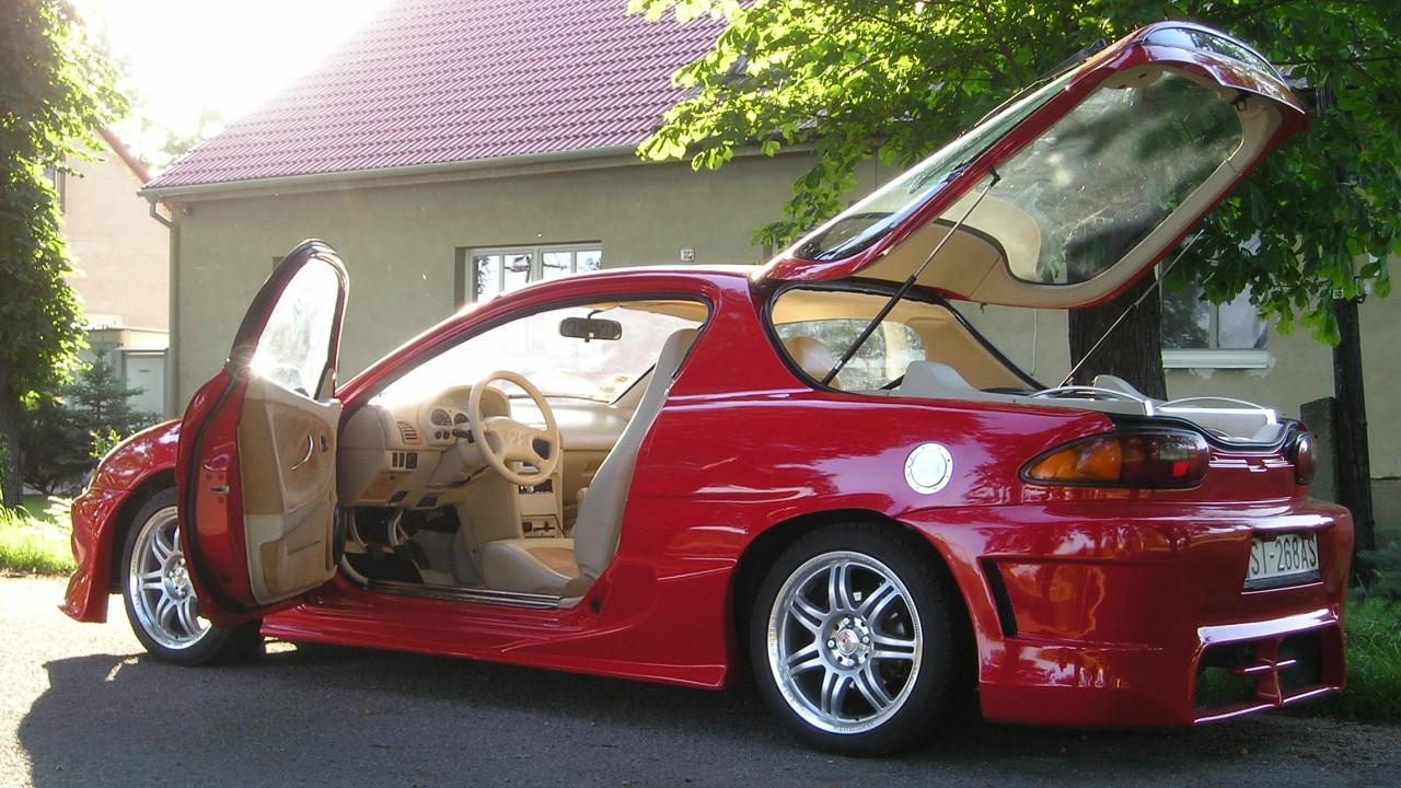 Kis túlzással az 1987-től 1989-ig kínált Mazda Étude utódjának tekinthető a 4,2 méter hosszú MX-3, amelynek gyártása viszont utód nélkül szűnt meg