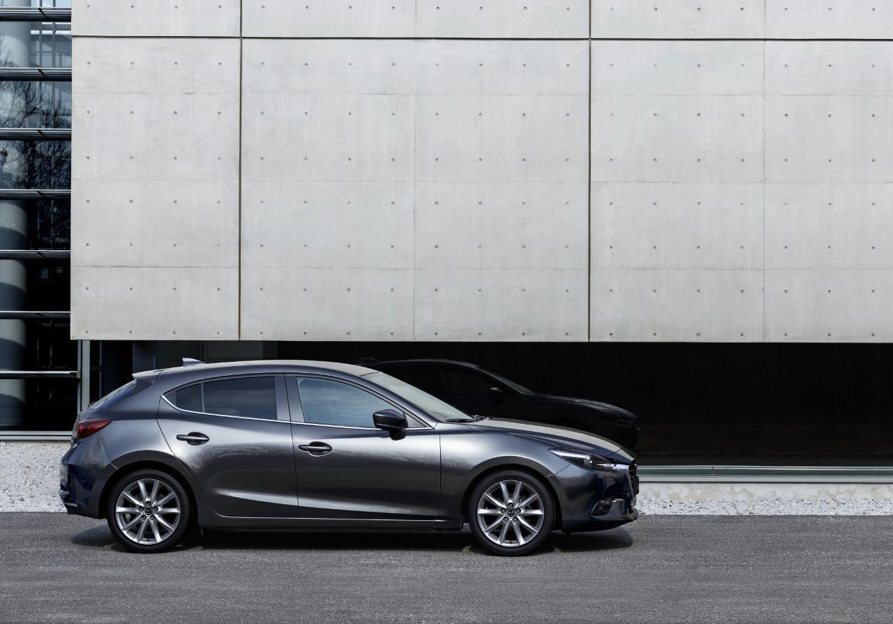 A ráncfelvarrás során nem változott meg a Mazda3 dinamikus karaktere