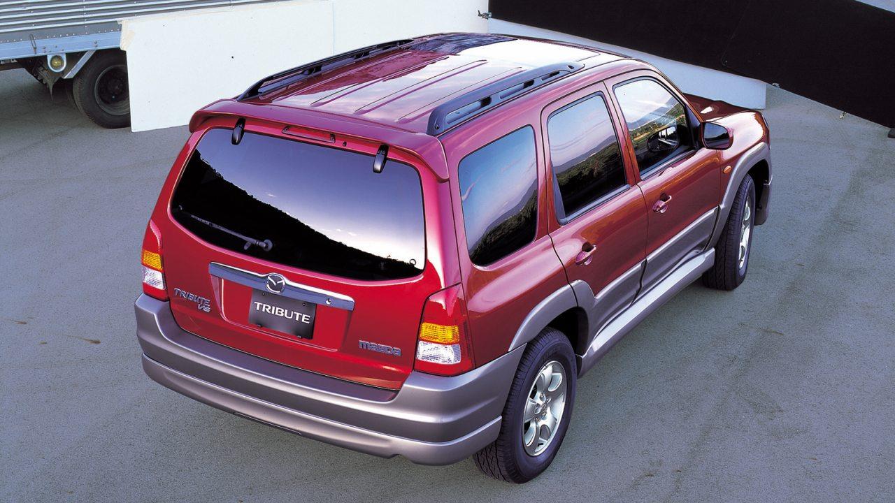 A Mazda Tribute nem készült hibridhajtású kivitelben, csak a Ford Escape